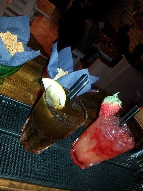 due cocktails e antipasti
