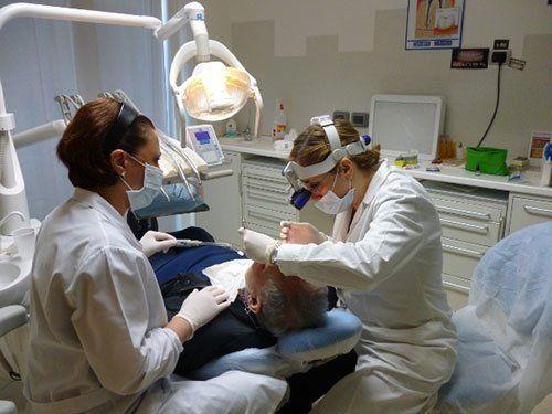 Trattamento dei denti dagli specialisti a Bari