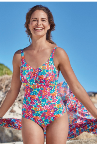 A beautiful floral paradise: The Baku bathing suit with prosthesis pockets makes every woman glow with its bright, colorful floral print. Gathered sections on the front and an extra lining in the middle skillfully flatter your figure.