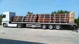 Camion extra lungo con carico eccezionale