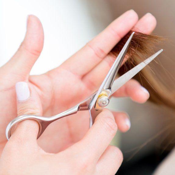 Women hair cut in Kenai