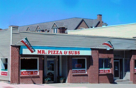 Mr. Pizza Front Entrance