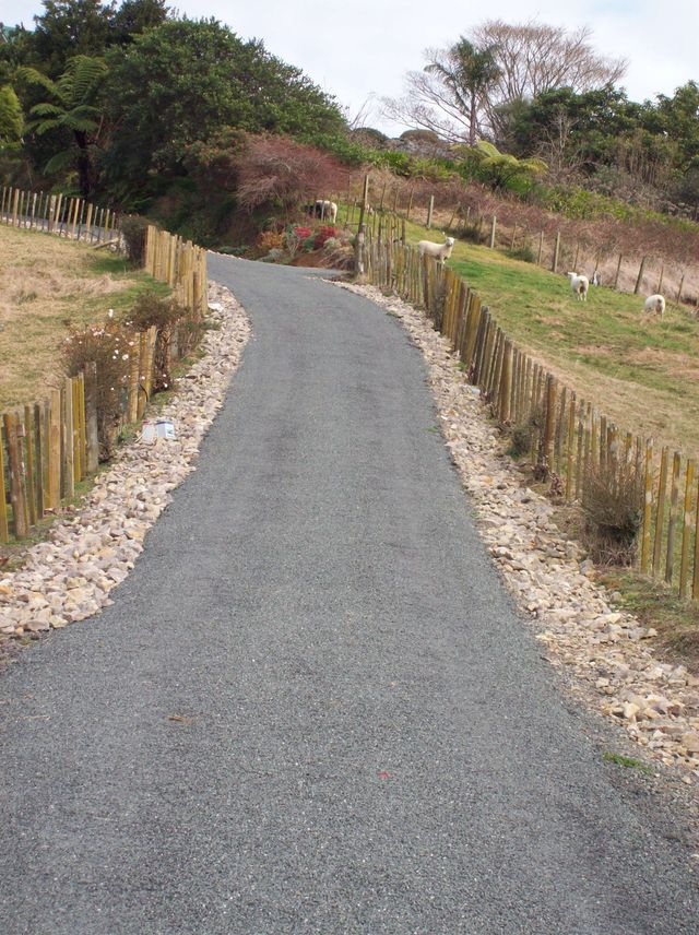 Rural Chipseal driveway