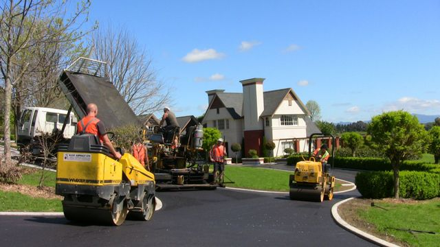 Asphalt surfacing contractors in the Bay of Plenty area