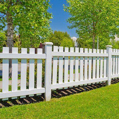 white landscape fencing