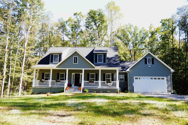 Sensational Cape Cod Style Homes Are Popular On Lake Anna Download Free Architecture Designs Sospemadebymaigaardcom