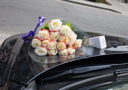 bouquet rose per carro funebre