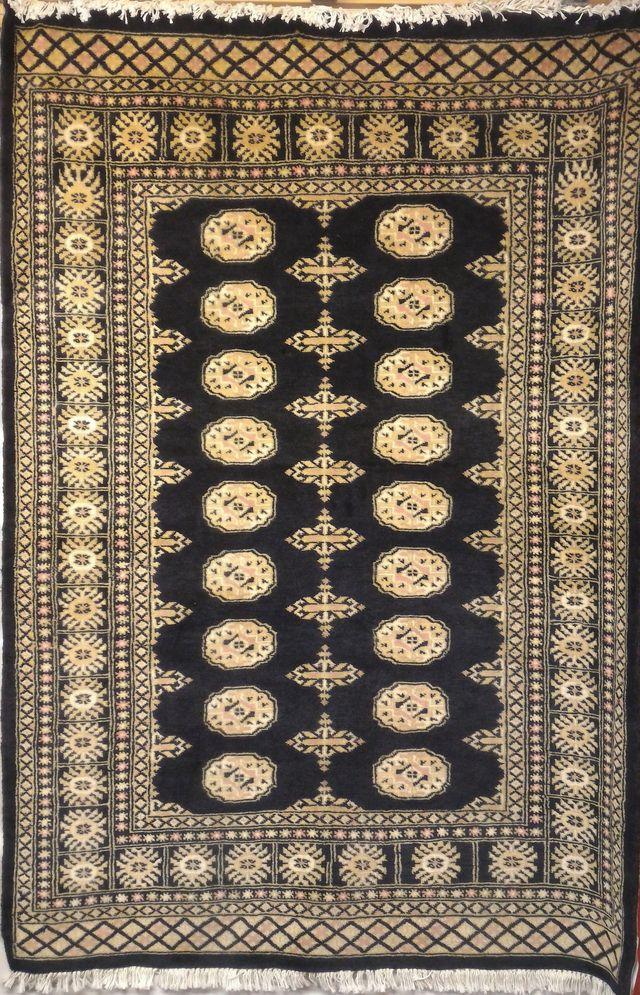 Bokhara - The famous knotted rug