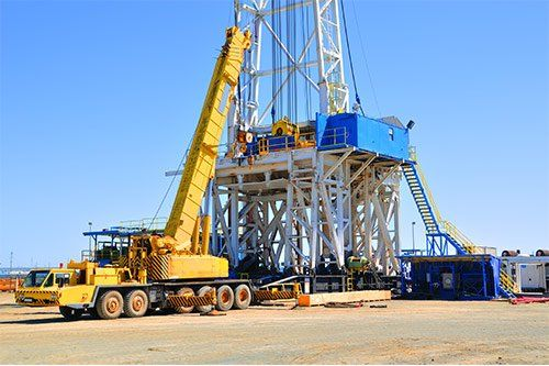SIX ADVANTAGES OF RENTING A CRANE FOR WORK AT YOUR FACILITY