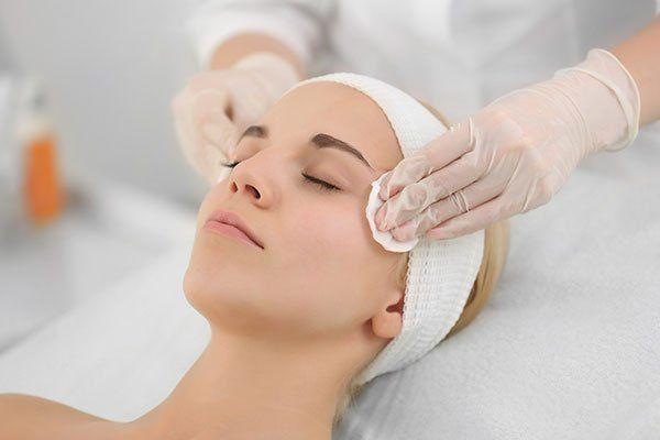 servizio di pulizia viso