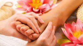 cura della pelle, cura delle unghie, estetiste