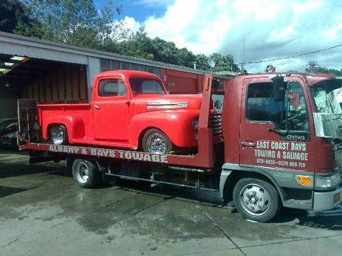 Professionals providing quality towing services