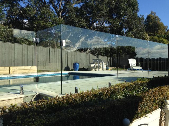 Glass Pool Fencing Auckland United Glass