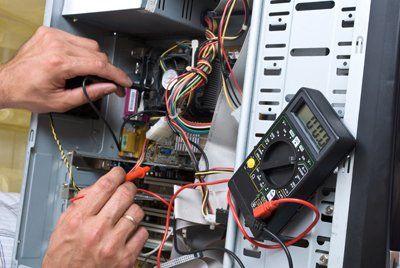 riparazione cabinet di un computer