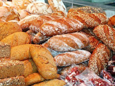 Piles of loaves of different textures and types