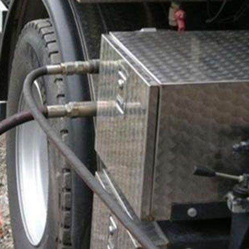 close up cavi camion per condotte idriche e fognarie
