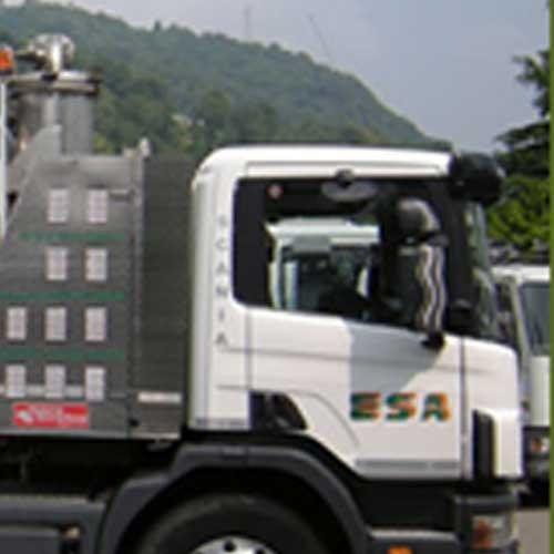 close up camion per bonifiche serbatoi