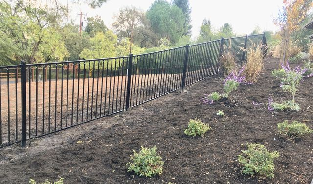 Castillo Fencing | Lodi | Sacramento | Bay Area | Custom Fencing