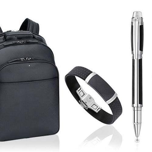 collezione di un zaino, una penna e una cintura