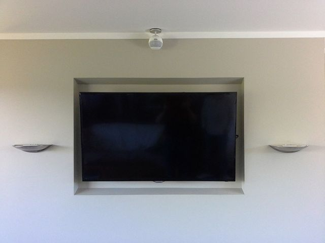 Wall mounted TV by professional
