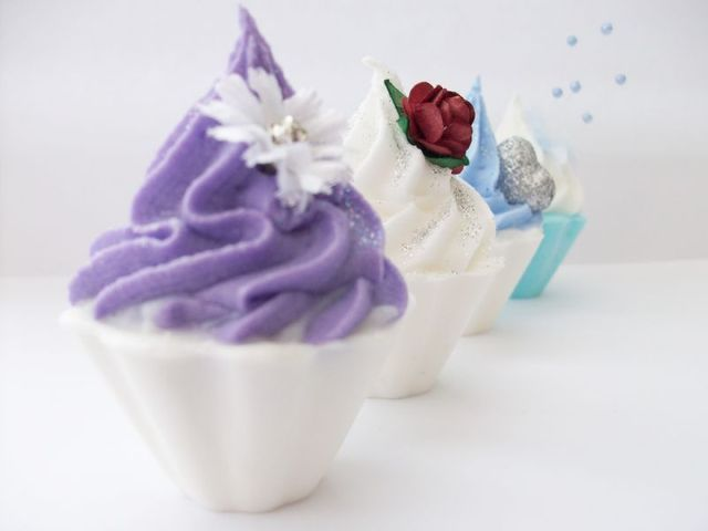 Cup cake bath melts