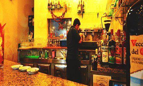 Interno della Trattoria Bar U Crischt a Ripabottoni