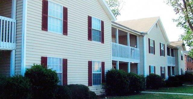 Condominiums in Statesboro, Eagle Court