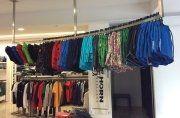 magliette, t-shirt, negozio d'abbigliamento