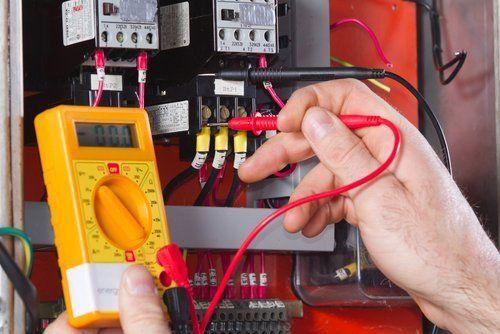 controllo di un  impianto elettrico