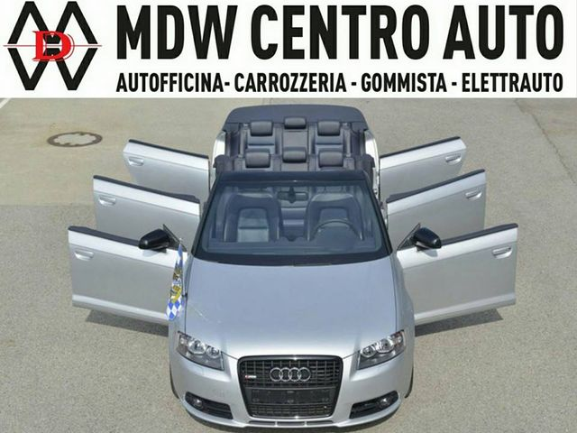 Audi cabrio grigia metalizzata