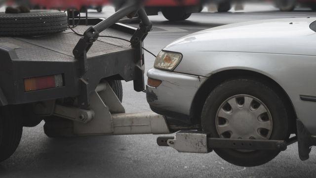 carro attrezzi offre il veicolo danneggiato
