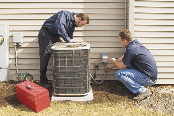 Expert repairing the Air conditioner in Yorktown Heights, NY