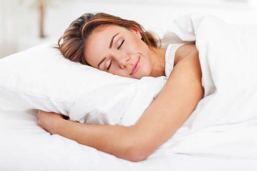 una donna che sta dormendo
