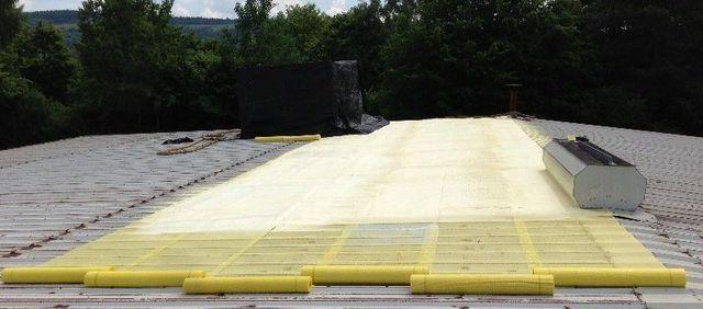Dachsanierung mit PUR-Dachspritzschaum
