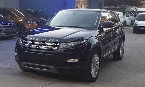 un Range Rover nero