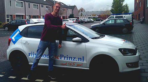 Een leerling van rijschool rsc Prinz
