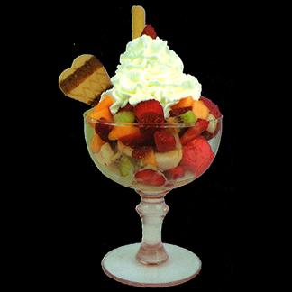 Gelato misto frutta, frutta fresca con panna montata