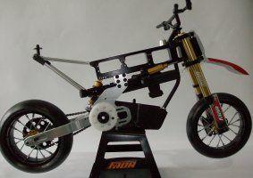 un modellino di una moto da cross