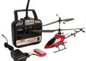un radiocomando e un elicottero bordeaux