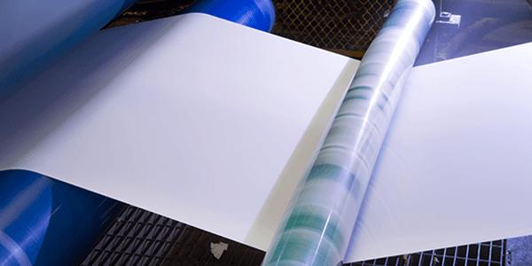 fase di produzione della carta con la apposita macchina