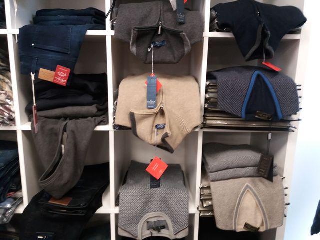 maglioni e pantaloni da uomo a Verghera di Samarate, VA