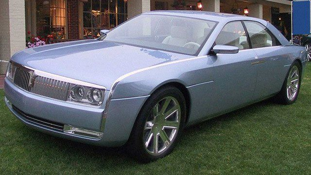 2002 Lincoln Continental concept car by Dave S, used under CC BY-SA 2.0