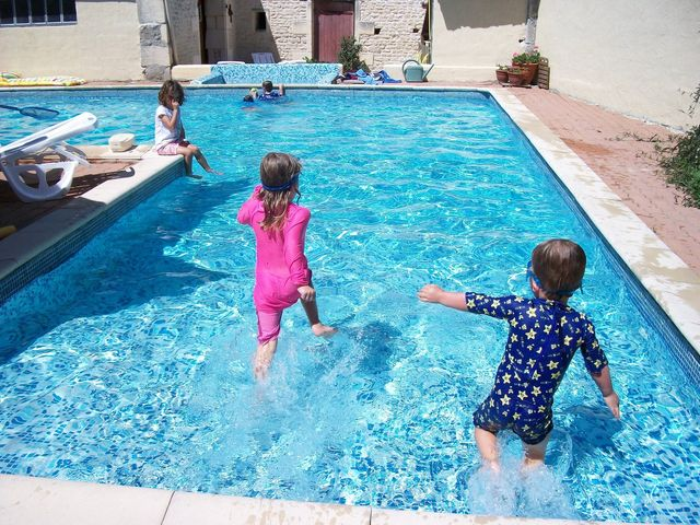 Les Vallaies family holiday cottages pool