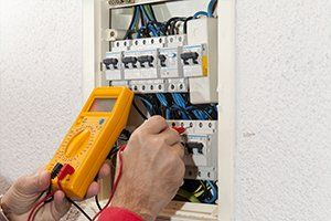 Electrical circuit for air conditioner being checked