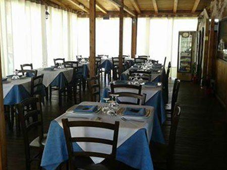 ristorante nuovo e pulito di lusso in stile europeo