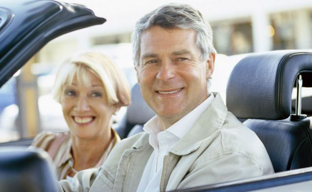 Older couple taking driving instruction in Liberty Township, OH