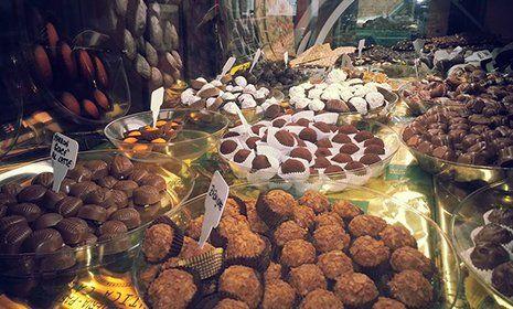Cioccolatini artigianali in esposizione