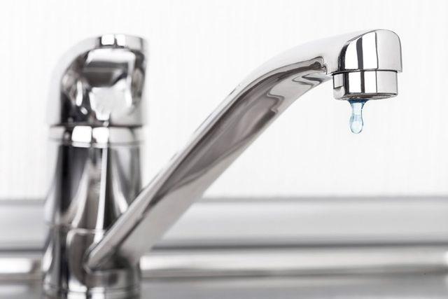 primissimo piano di un rubinetto