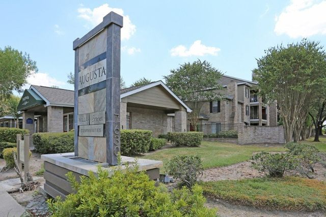 Augusta at Cityview Houston Texas Apartment Complex