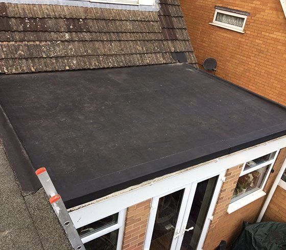 single-ply rubber membrane roofing